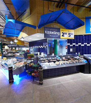 Philips Lighting verlicht de vis zo, dat de versheid direct opvalt in de Jumbo Foodmarkt, Nederland