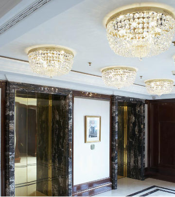 Doorgangsruimten van het Ritz-Carlton Hotel, verlicht door Philips Lighting